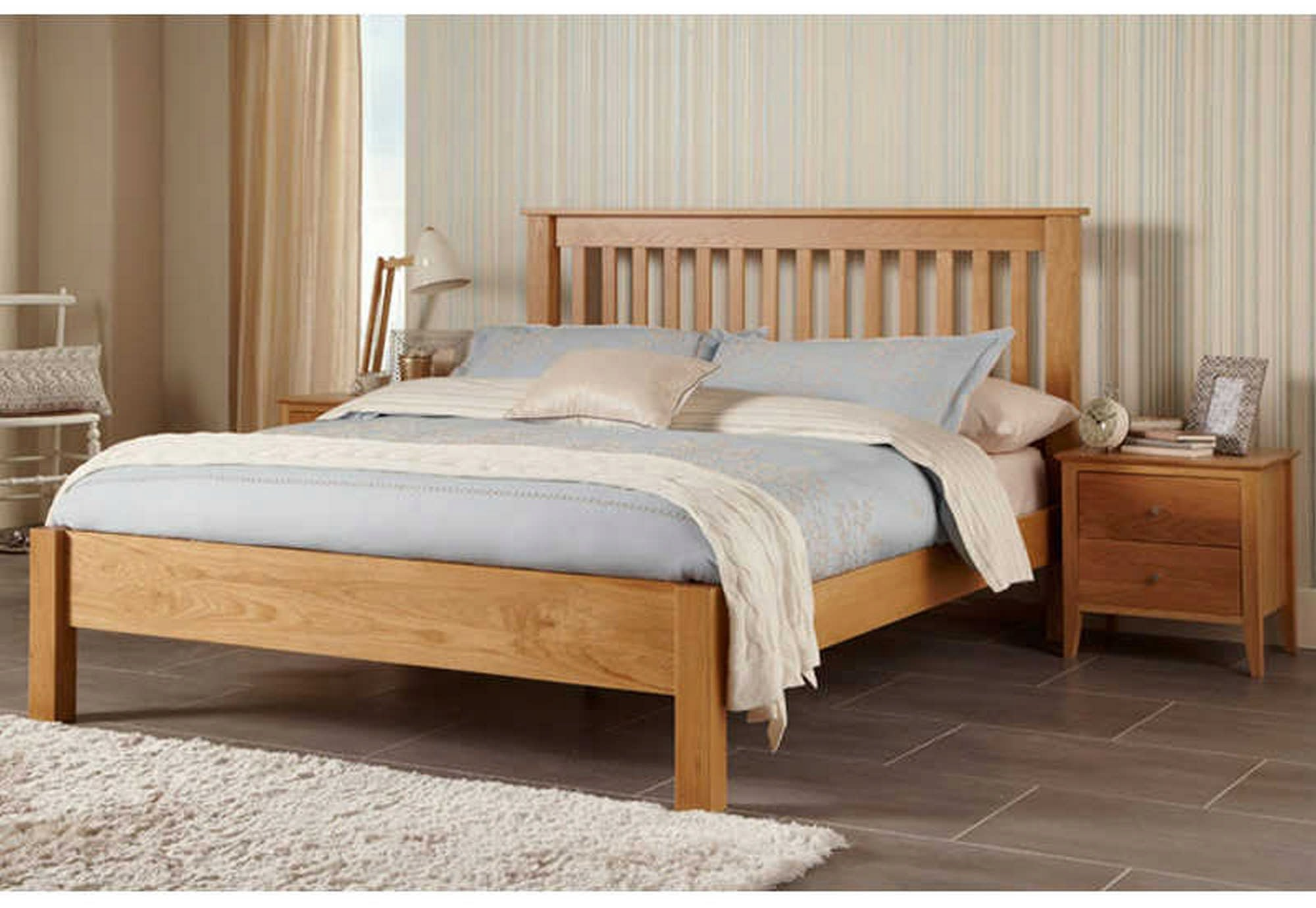 Serene Furnishings Serene Lincoln Oak 5ft 150cm X 200cm Kingsize Wooden Bed Beds From Beds 4 Less Uk